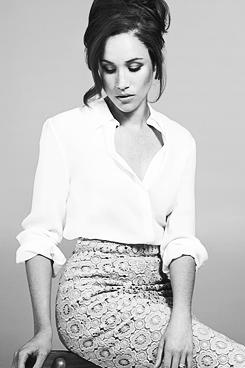 Rachel Zane White Shirt